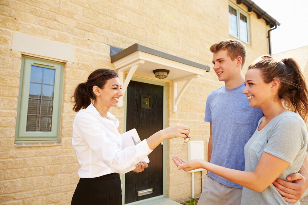 What are the tenant's responsibilities in a buy-to-let property?